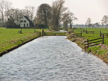 Ontgonnen veenlandschap bij Zevenhuizen en Jonkersvaart